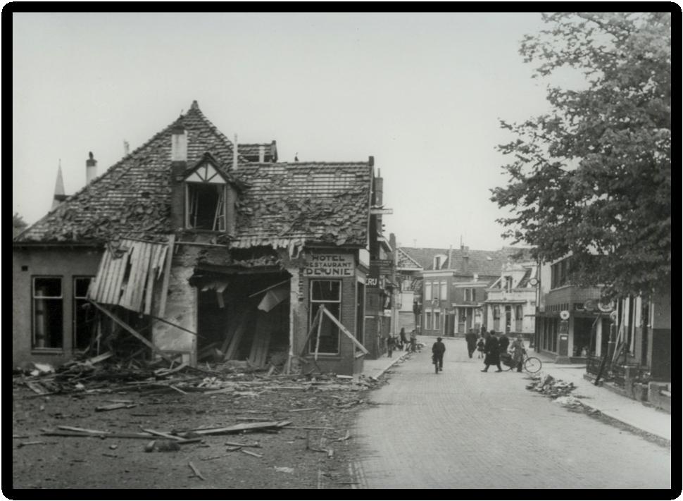 Wijkstraat Appingedam na de strijd.