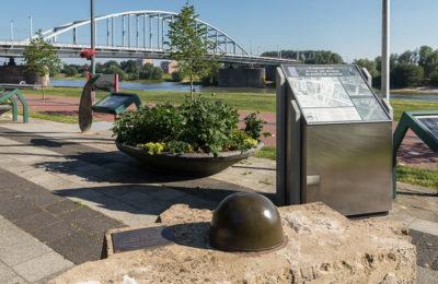 Netherlands_Arnhem_Airborne_monument