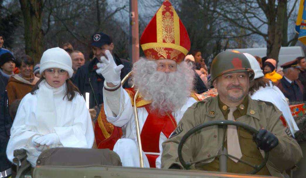 Richard Brookins is op 5 december 2014 weer verkleed als St. Nicholas in Wiltz.